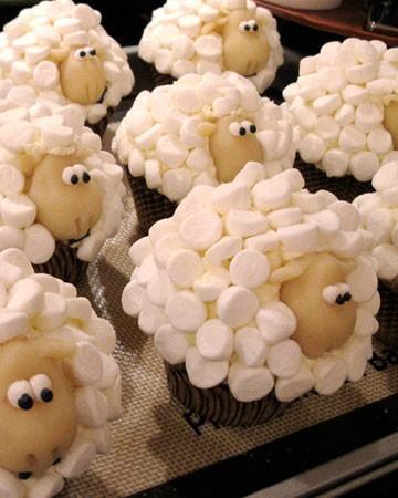Serta Sheep Cupcakes
