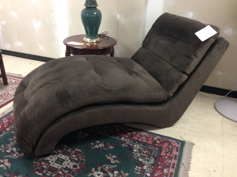 Lounger in Mocha Chenille